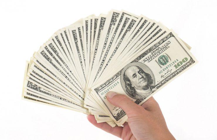 câștigă toți banii din lume)