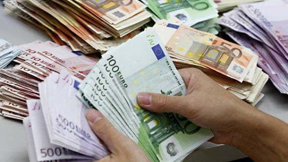 schimb de bani)