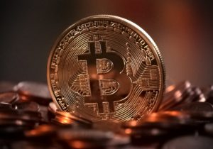este posibil să retragi bitcoini în bani reali)