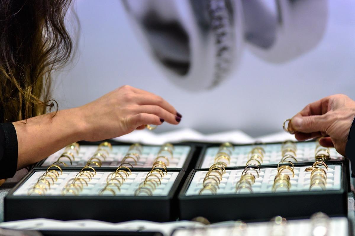 comerț cu opțiuni de metale prețioase