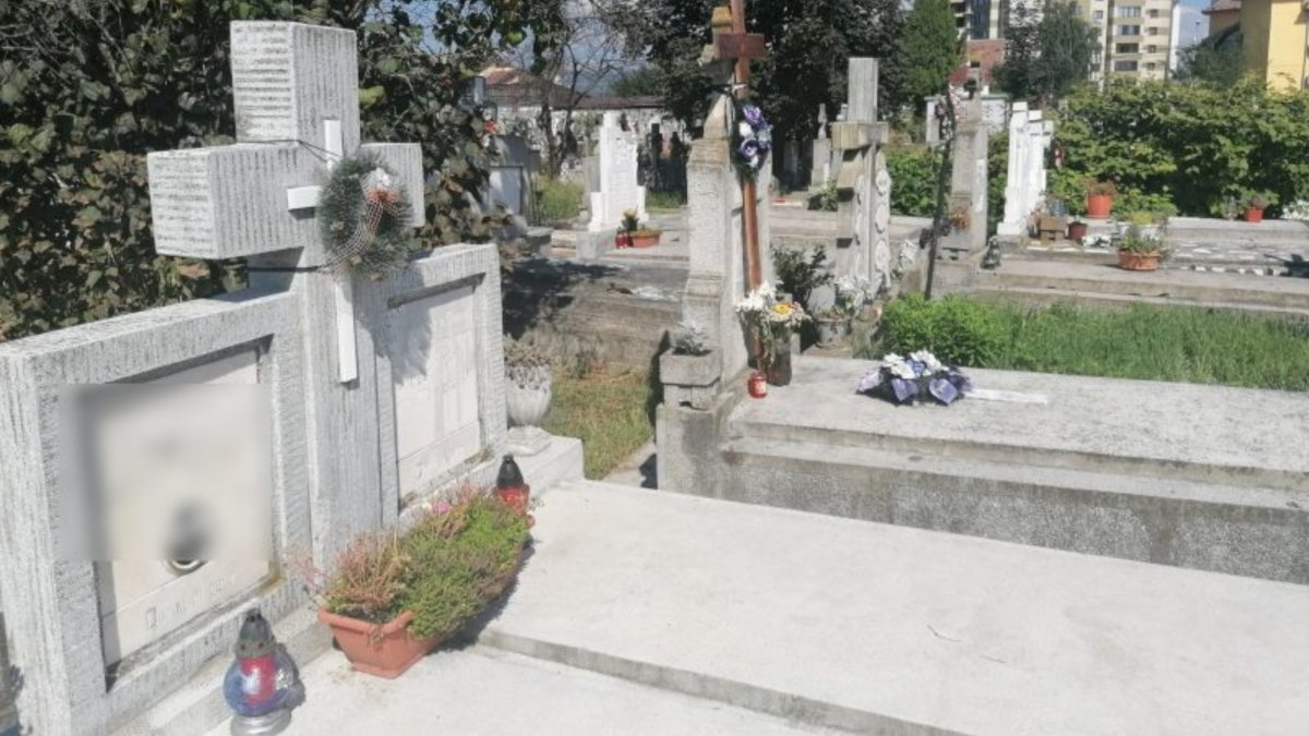 Cele mai mişto morminte pe care poţi să le cumperi înainte de Înviere