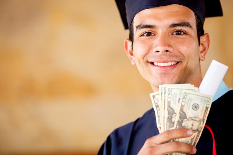 în cazul în care studentul face bani în