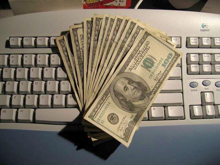 câștigând dolari pe internet