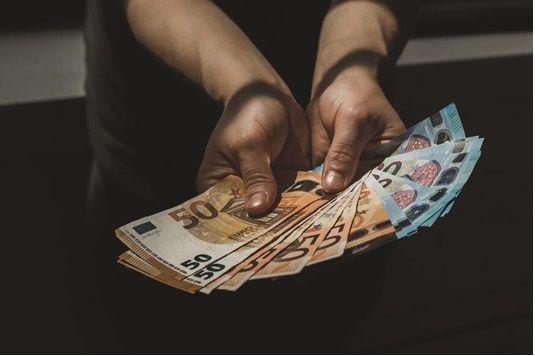 Cum sa faci bani la 17 ani
