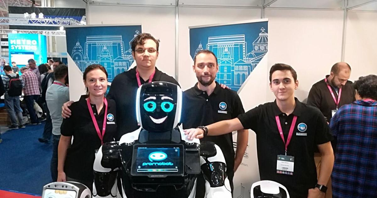 roboții de pe internet fac bani)