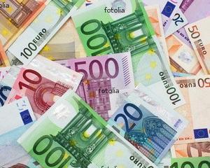 a obține bani - Traducere în engleză - exemple în română | Reverso Context