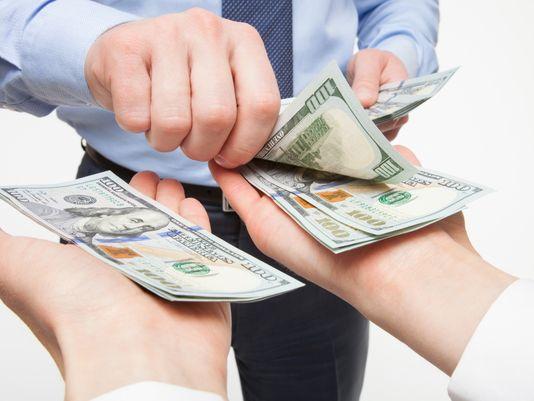 câștigurile și investițiile în Internet)