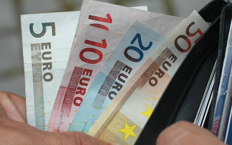 câștigurile online în euro)
