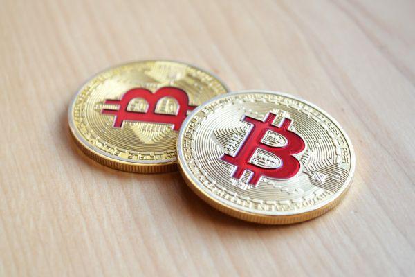 intrarea experimentului de tranzacționare pe o monedă
