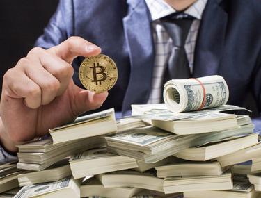 cine a câștigat bani pe rata bitcoin