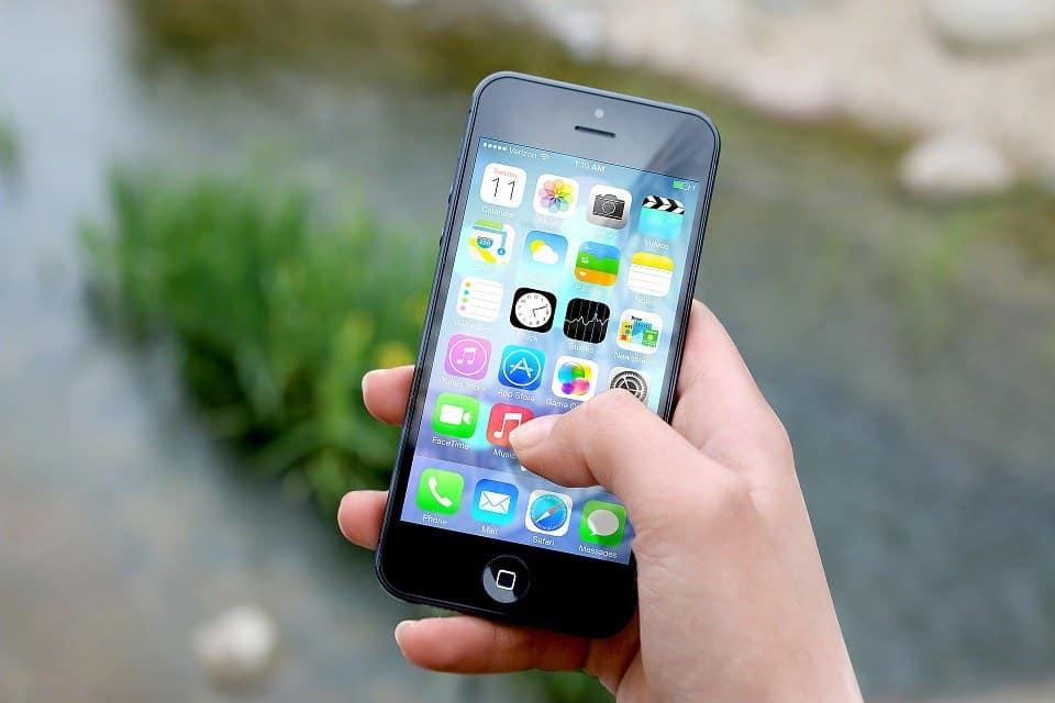 cea mai bună aplicație de opțiuni binare pentru iPhone)
