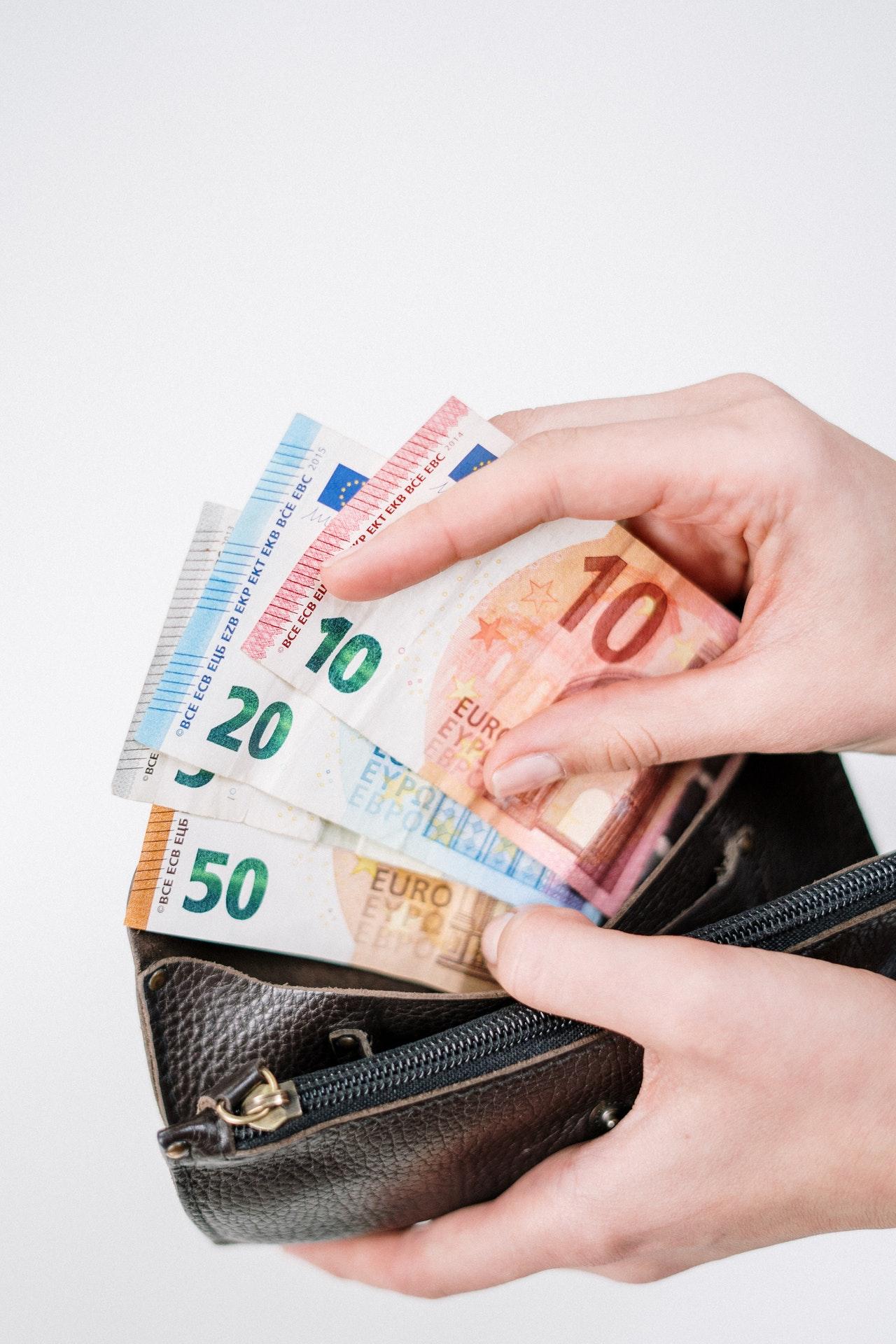 cum să faci o sumă mare de bani pe scurt)