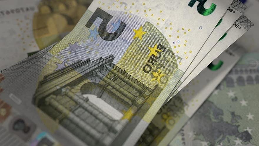 Cum se fabrică bancnotele EURO şi ce durată de viaţă au | Money