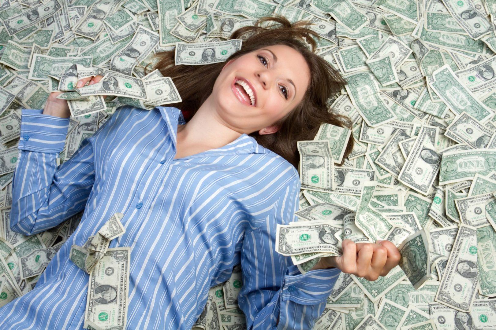 unde fac bani oamenii bogați