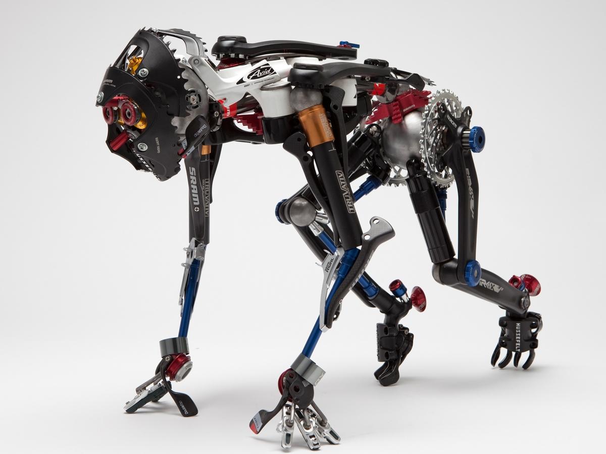 un robot care face bani pentru tine)