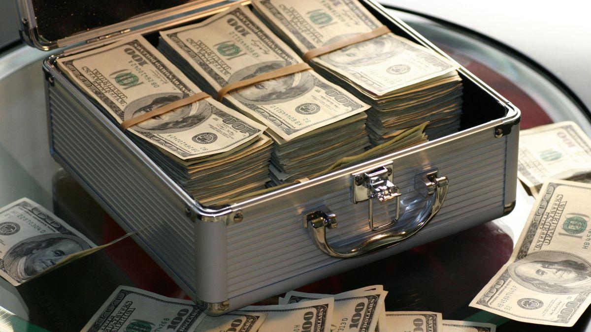 în cazul în care într- adevăr face bani mari)