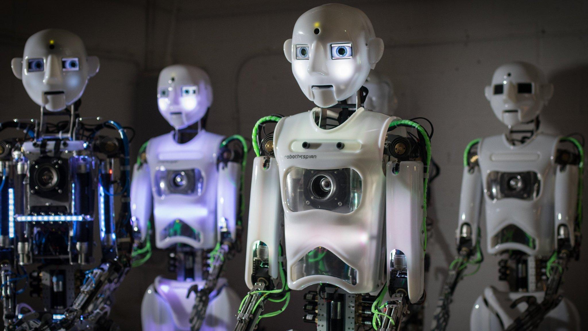 roboti consilieri comerciali)