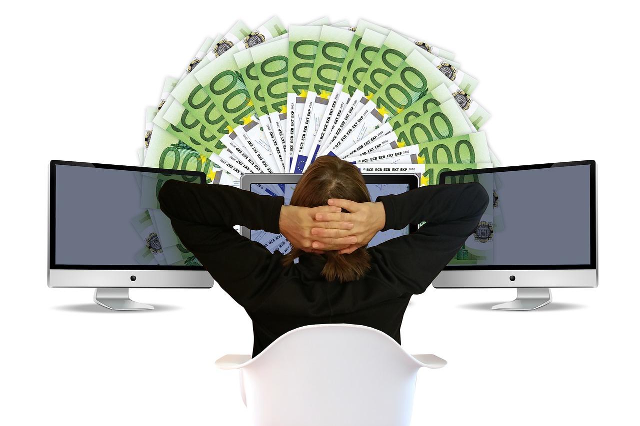 câștigurile pe internet lucrează bani fără investiții)