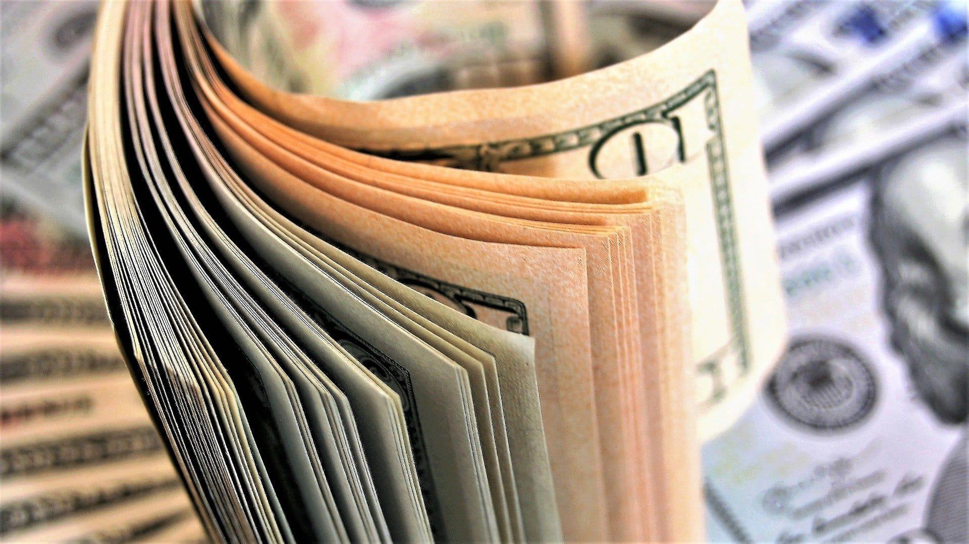 depuneți bani în opțiuni)