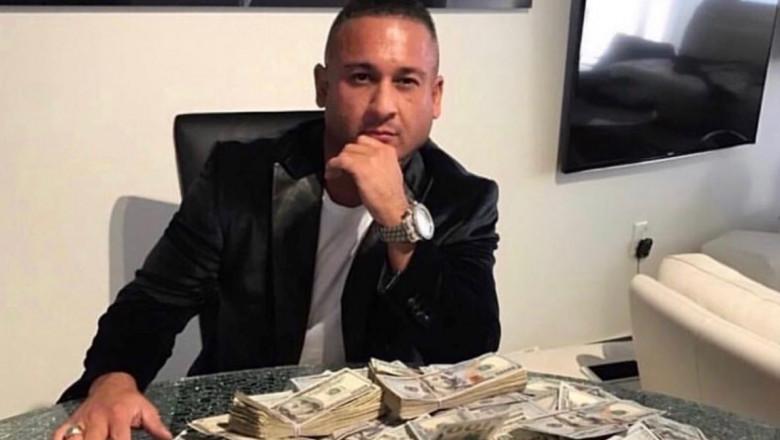 cine câștigă cel mai mult banii