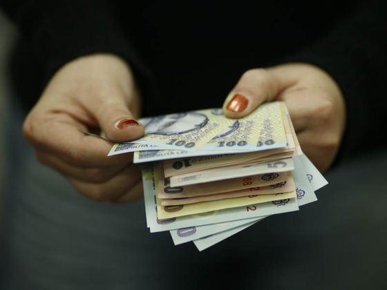 primim primii bani)