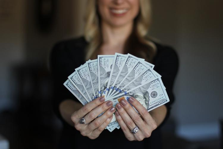 chiar ajută să câștigi bani)