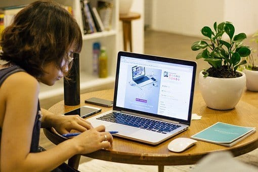 loc de muncă cu jumătate de normă prin internet acasă fără investiții