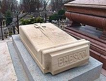 cum să faci bani la piatră de mormânt)