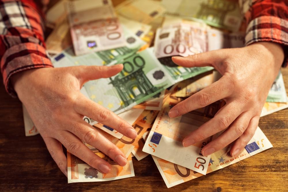 visează să câștigi bani)