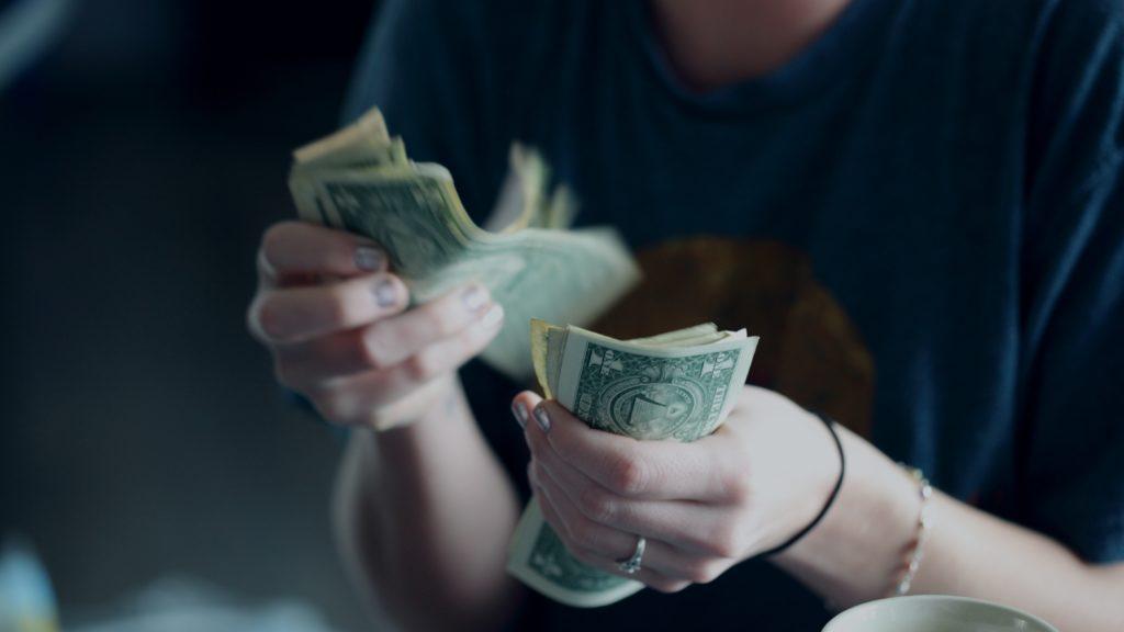 ce trebuie să faci pentru a câștiga mulți bani)