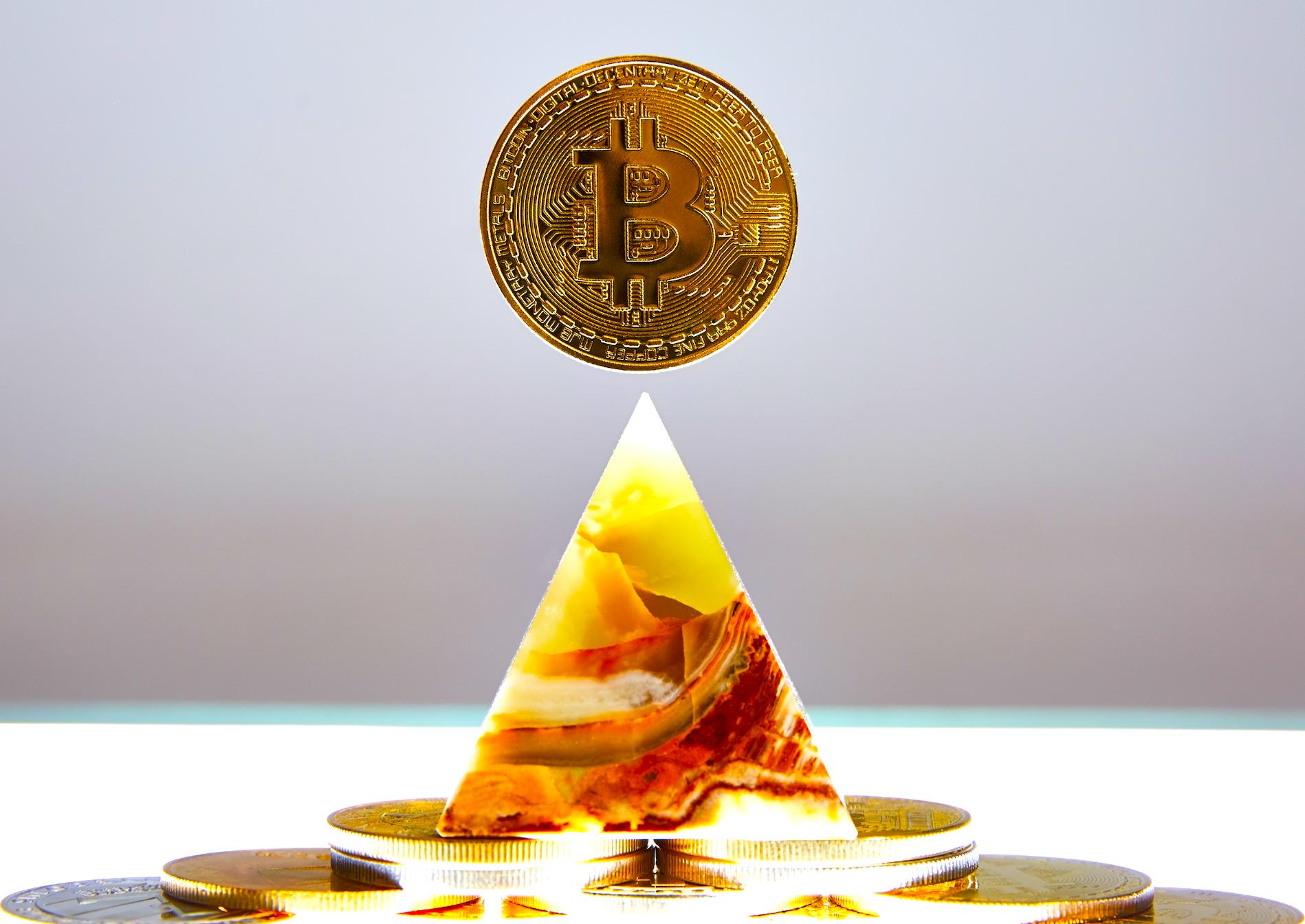 Sistemul Bitcoin este de încredere? 🥇 Asigurați-vă că citiți înainte de a investi!